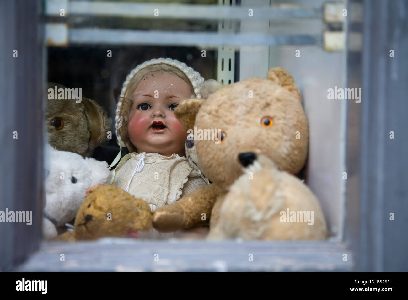 Antique toy shop, Old Town, Hastings, East Sussex, England - Stock Image