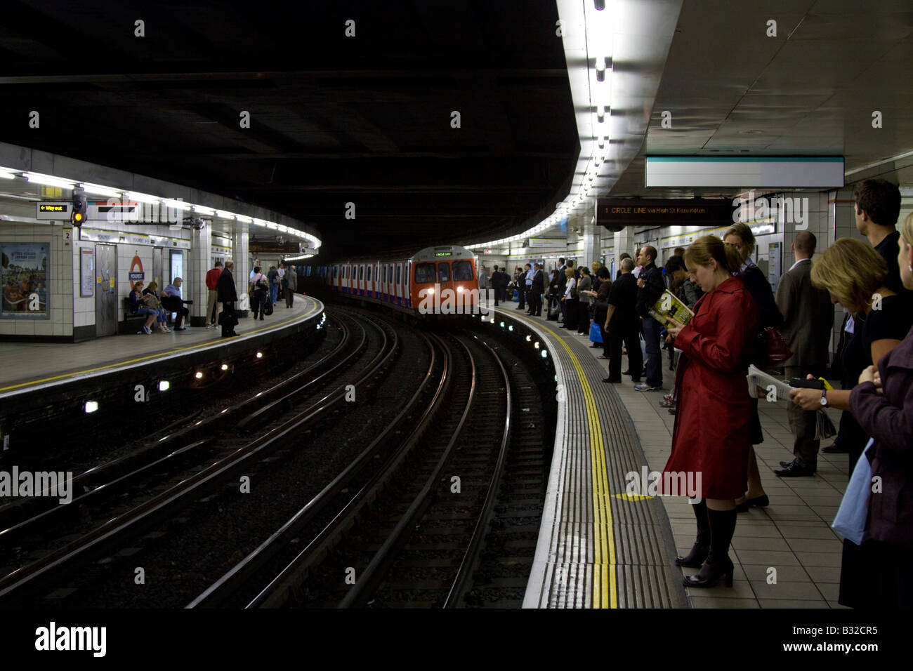 Circle/District line platform Bank/Monument London Underground Station - Stock Image