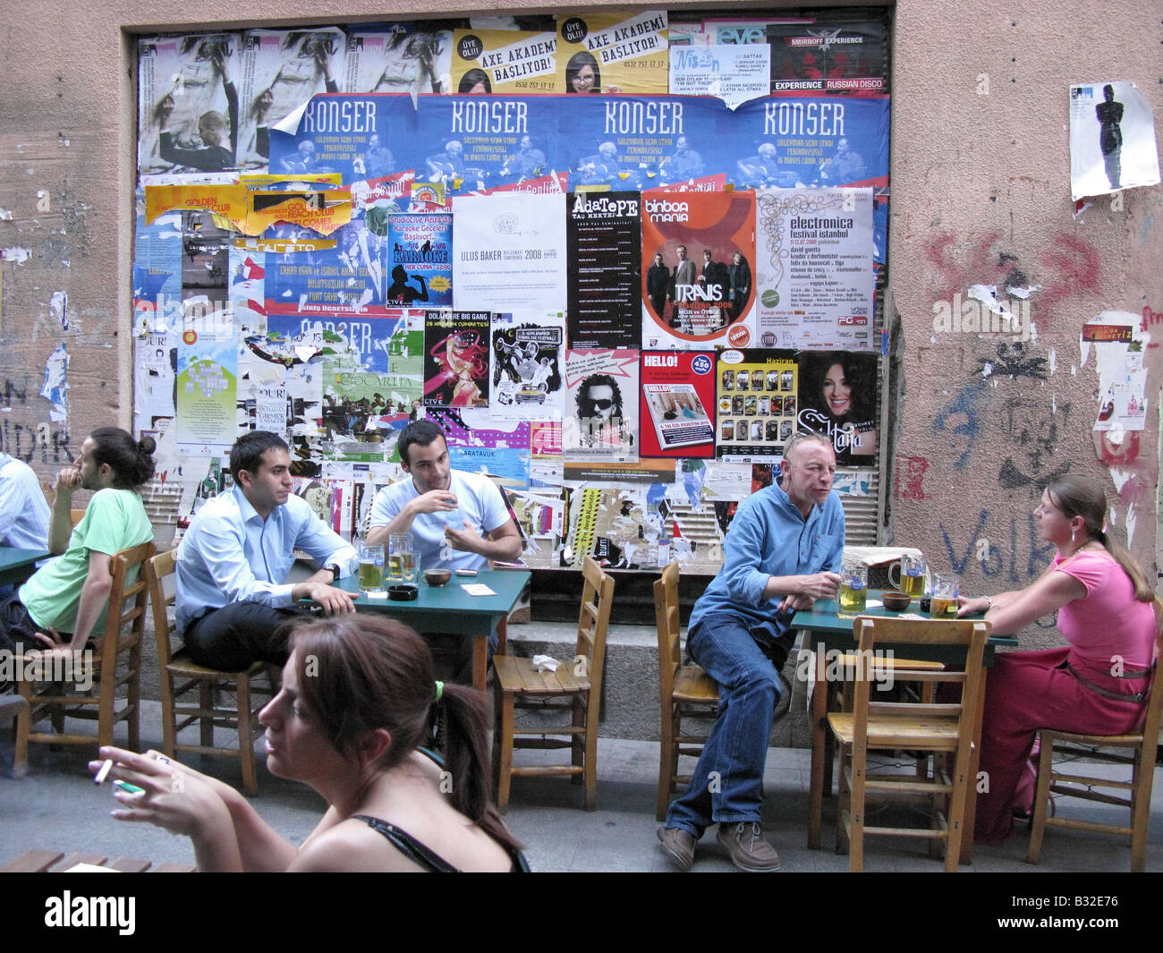 ISTANBUL, TURKEY. A bar on Sofyali Sokak in Beyoglu district. 2008. - Stock Image