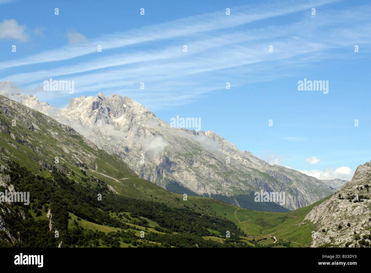 Contrails above Sotres Picos de Europa Asturias Spain - Stock Image