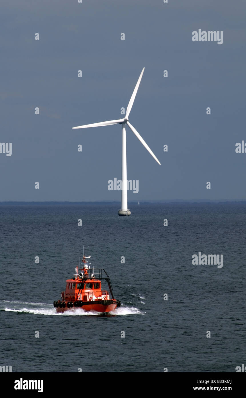 Danish Pilot Boat and offshore wind turbine - Stock Image