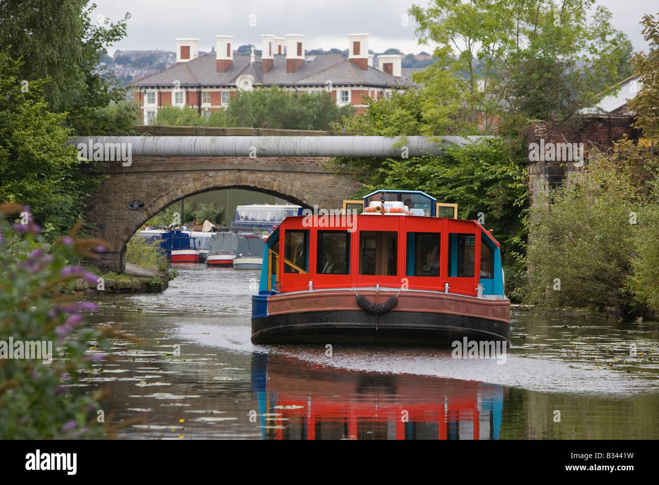 Pleasure boat on the Sheffield and Tinsley Canal - Stock Image