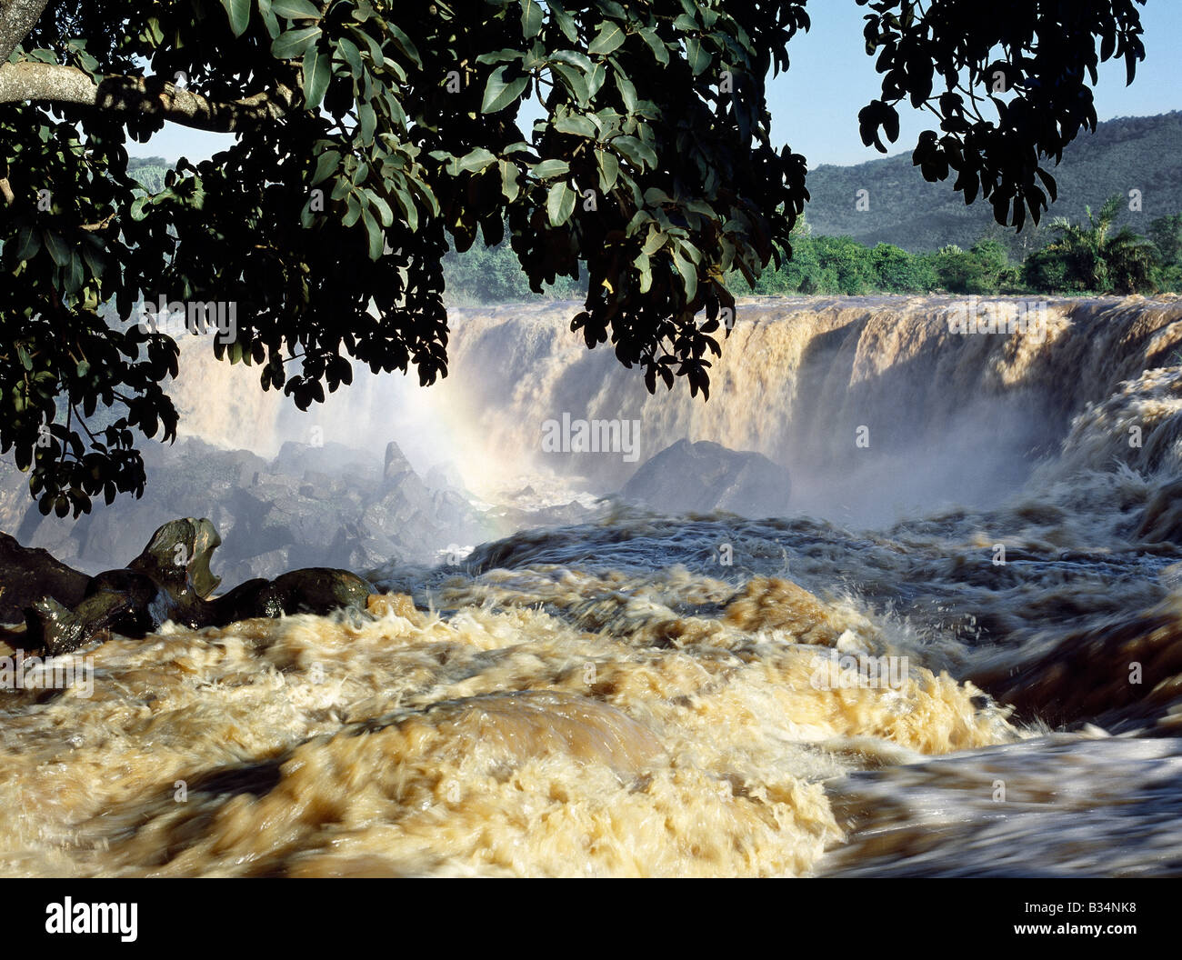 Kenya, Thika district, Athi River. Fourteen Falls on the Athi River after heavy rain. - Stock Image