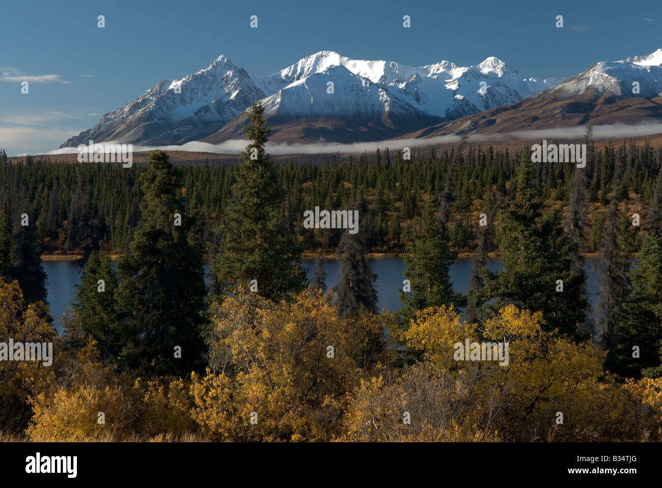 Mountains Nature The Yukon Territory Unspoiled Yukon High Resolution Stock Photography And Images Alamy