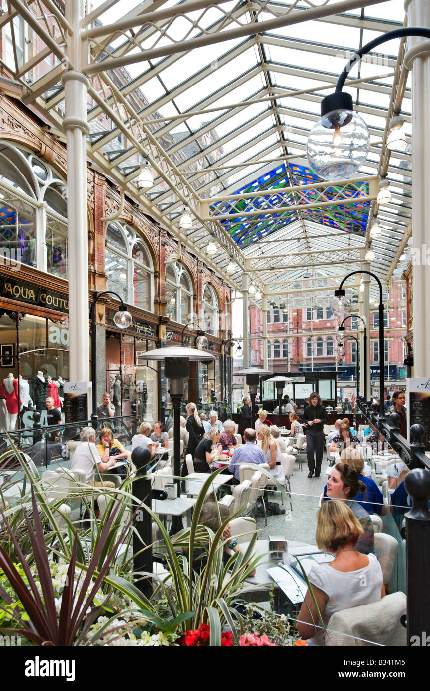 Cafe in the Victoria Quarter shopping arcade, Briggate, Leeds, West Yorkshire, England - Stock Image