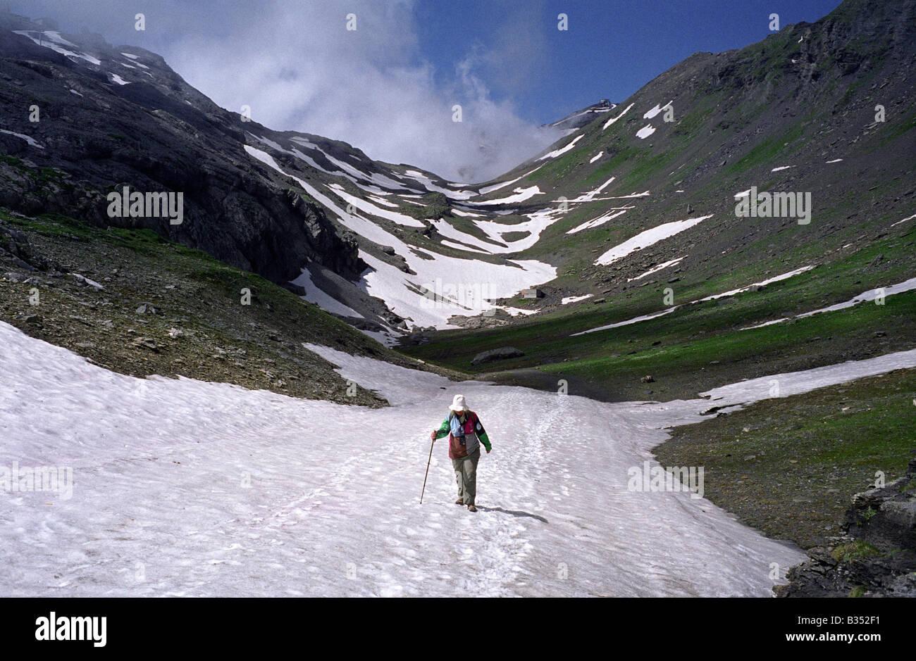 Switzerland berner oberland bernese oberland walking shilthorn mountain exercise energy safety - Stock Image