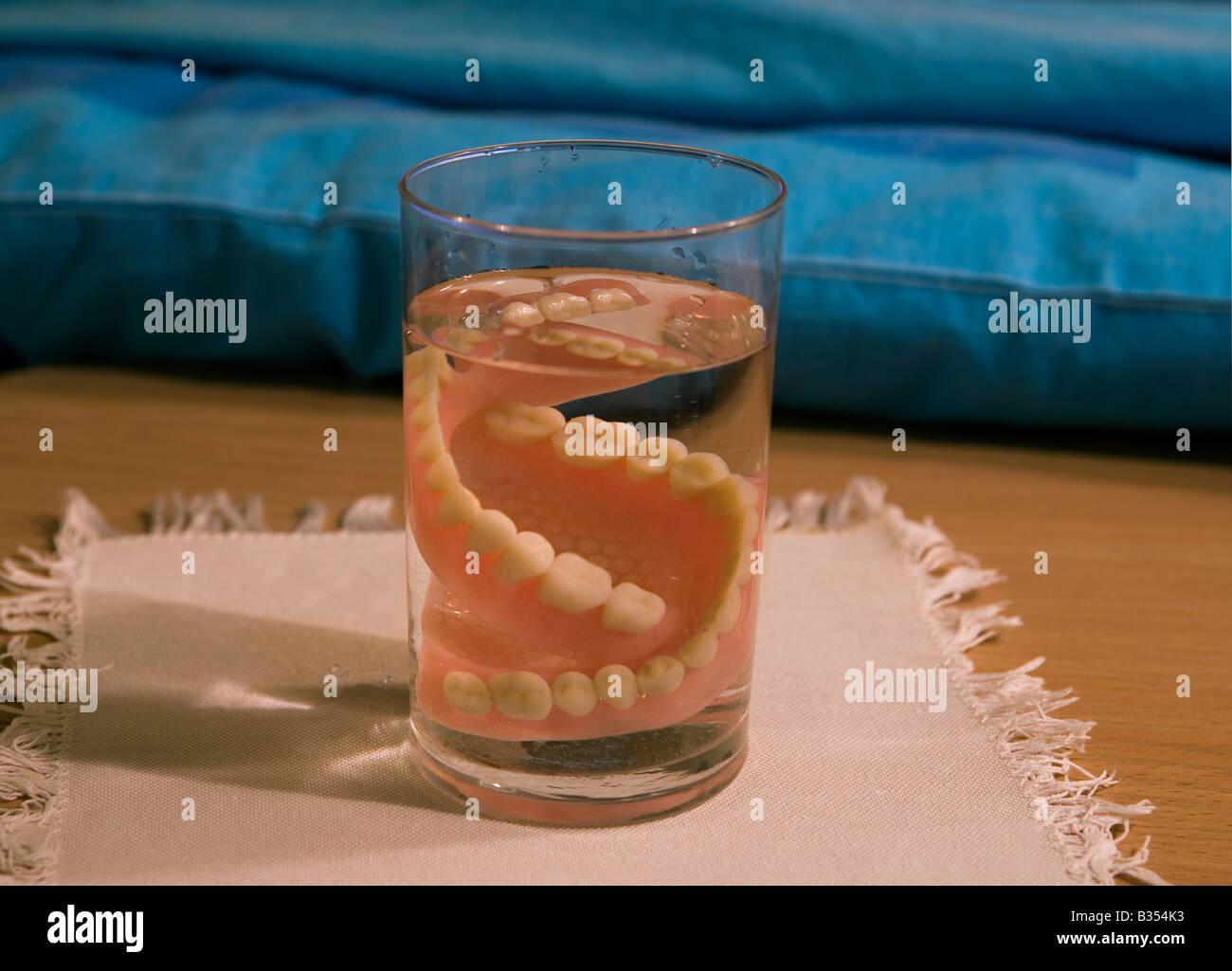 Denture model in glass - Stock Image