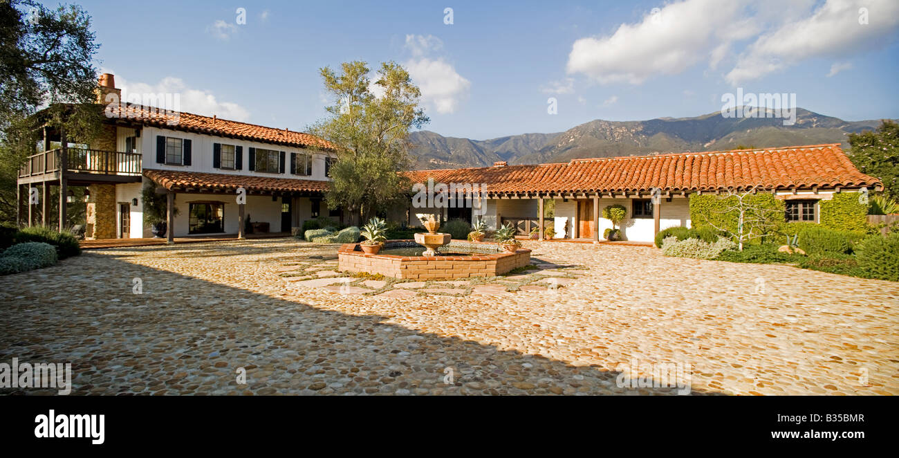 Spanish Style House Exterior High Resolution Stock Photography And Images Alamy