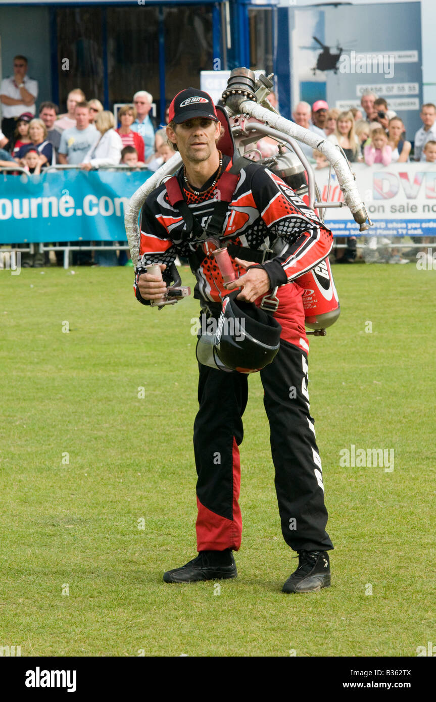 UNITED KINGDOM, ENGLAND, 16th August 2008. Eric Scott prepares to demonstrate the Go Fast jet pack. - Stock Image