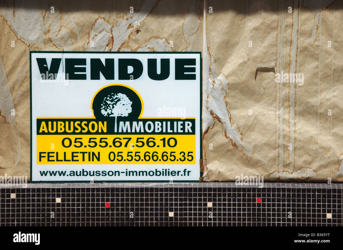 Property for sale sign in Aubusson, France - Stock Image