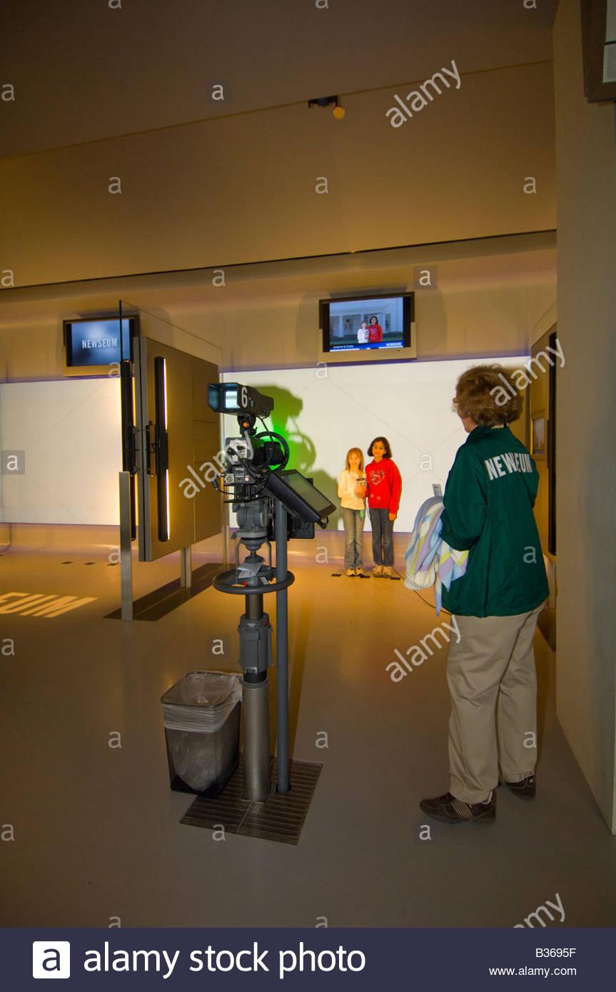 nbc news interactive newsroom newseum museum washington d c u s a rh alamy com