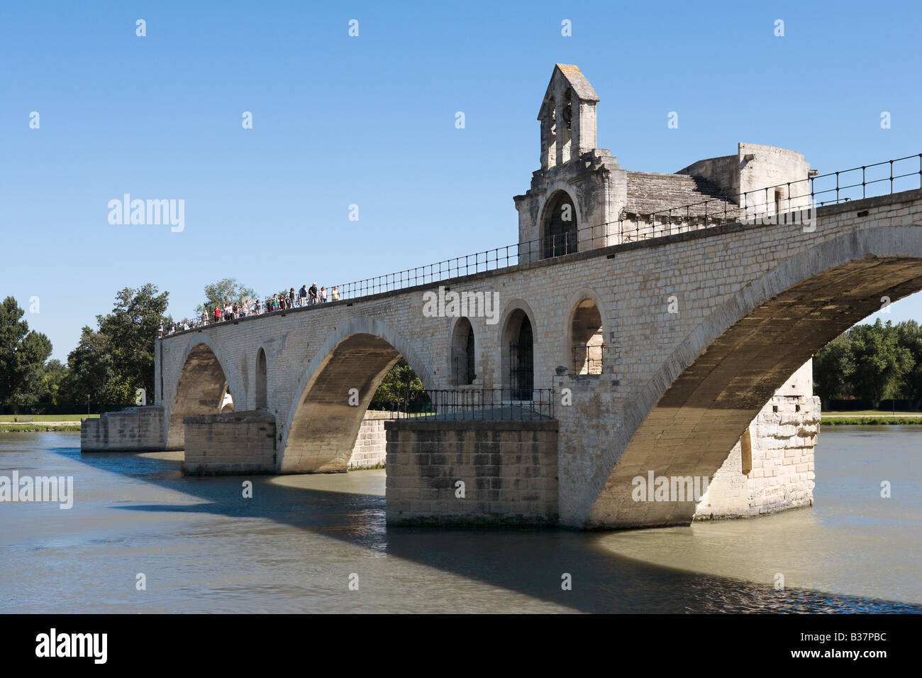Pont Saint Benezet (the famous Pont d'Avignon) on the River Rhone, Avignon, Provence, France - Stock Image