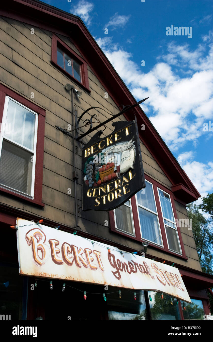 The very small town of Becket MA has a picturesque general store - Stock Image