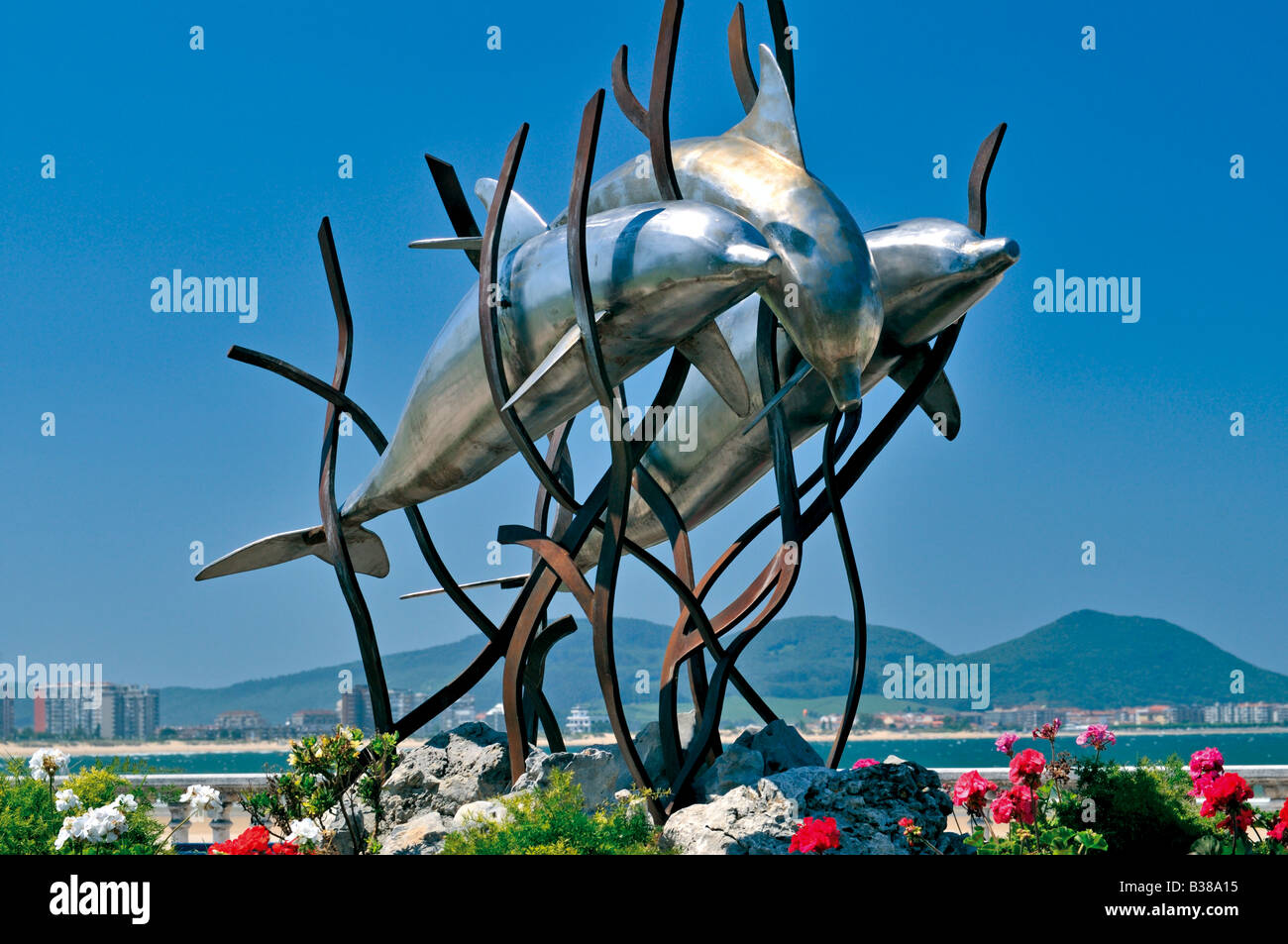 Artistic sculpture at the beach of El Sable in Laredo, Cantabria, Spain Stock Photo