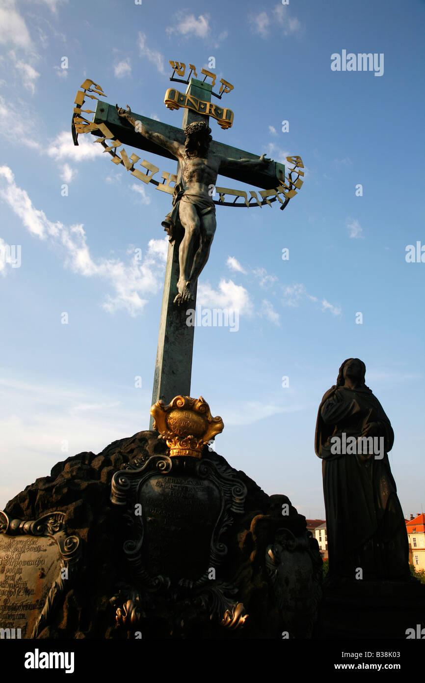 Aug 2008 - Statuary of the Holy Crucifix and Calvary Charles Bridge Prague Czech Republic - Stock Image