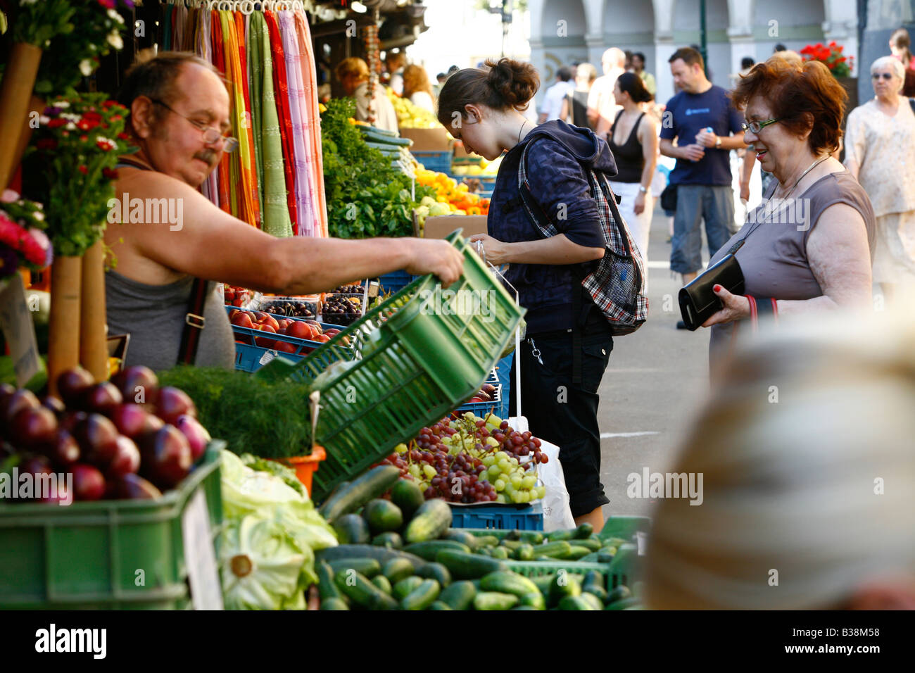 Aug 2008 - People at Havelska Market Stare Mesto Prague Czech Republic - Stock Image