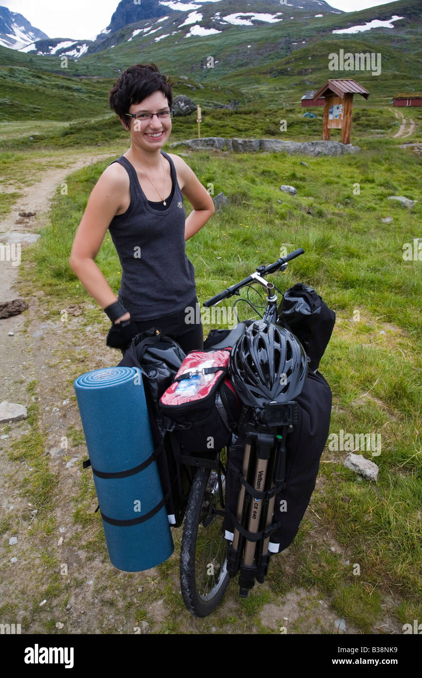 Norway Jotunheimen fjell happy camper with bike summer 2008 - Stock Image