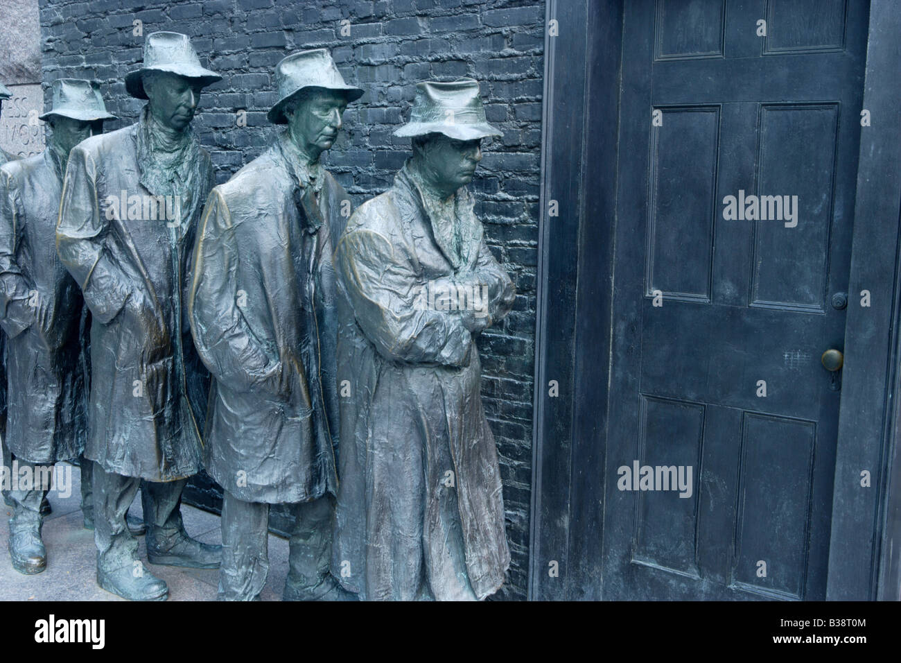 Sculpture depicting a bread line during the Great Depression at the Franklin D Roosevelt Memorial Washington D C - Stock Image