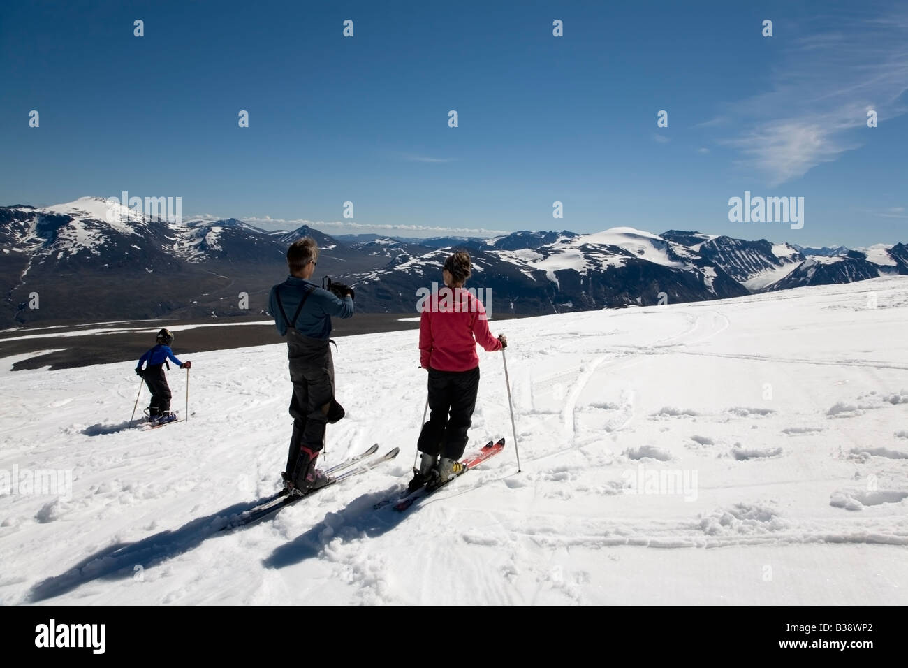 Norway Jotunheimen fjell Galdhöpiggen tourists summmer skiing on glacier summer 2008 - Stock Image