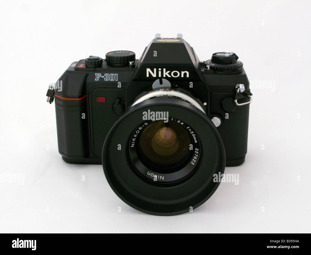 used nikon 301 slr camera with nikkor 35 mm manual focus lens and rh alamy com camera app with manual focus compact camera with manual focus