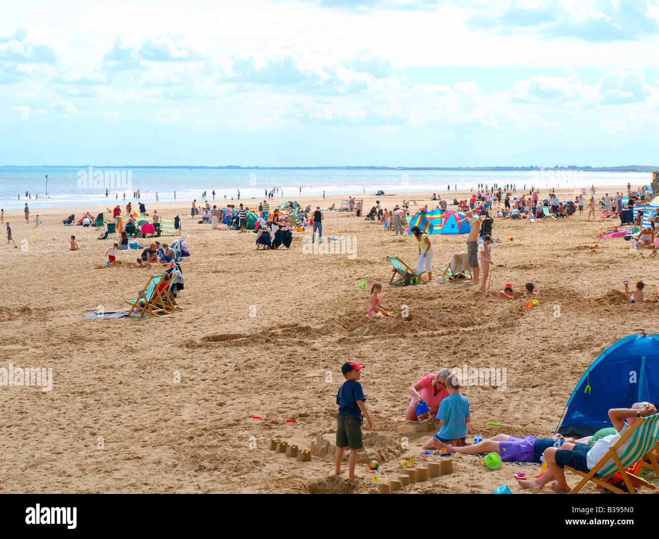 The busy south beach at Bridlington,North Yorkshire,uk. - Stock Image