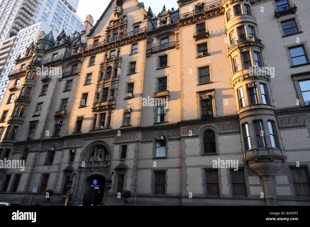 nyc luxury apartments. Dakota Apartment Building NYC Oldest Luxury Building And Place  Where John Lennon Was Shot