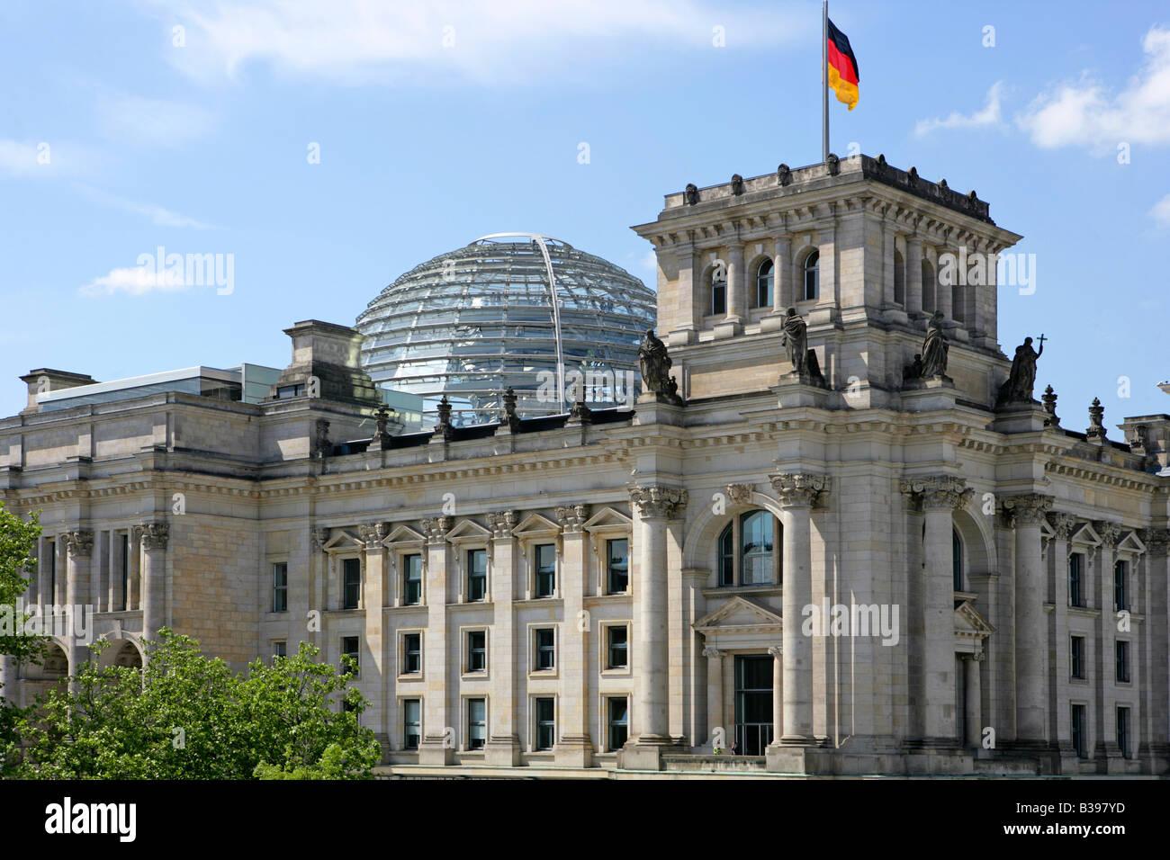 Deutschland, Berlin, Reichstagsgebaeude, Reichstag - German federal parliament in Berlin - Stock Image