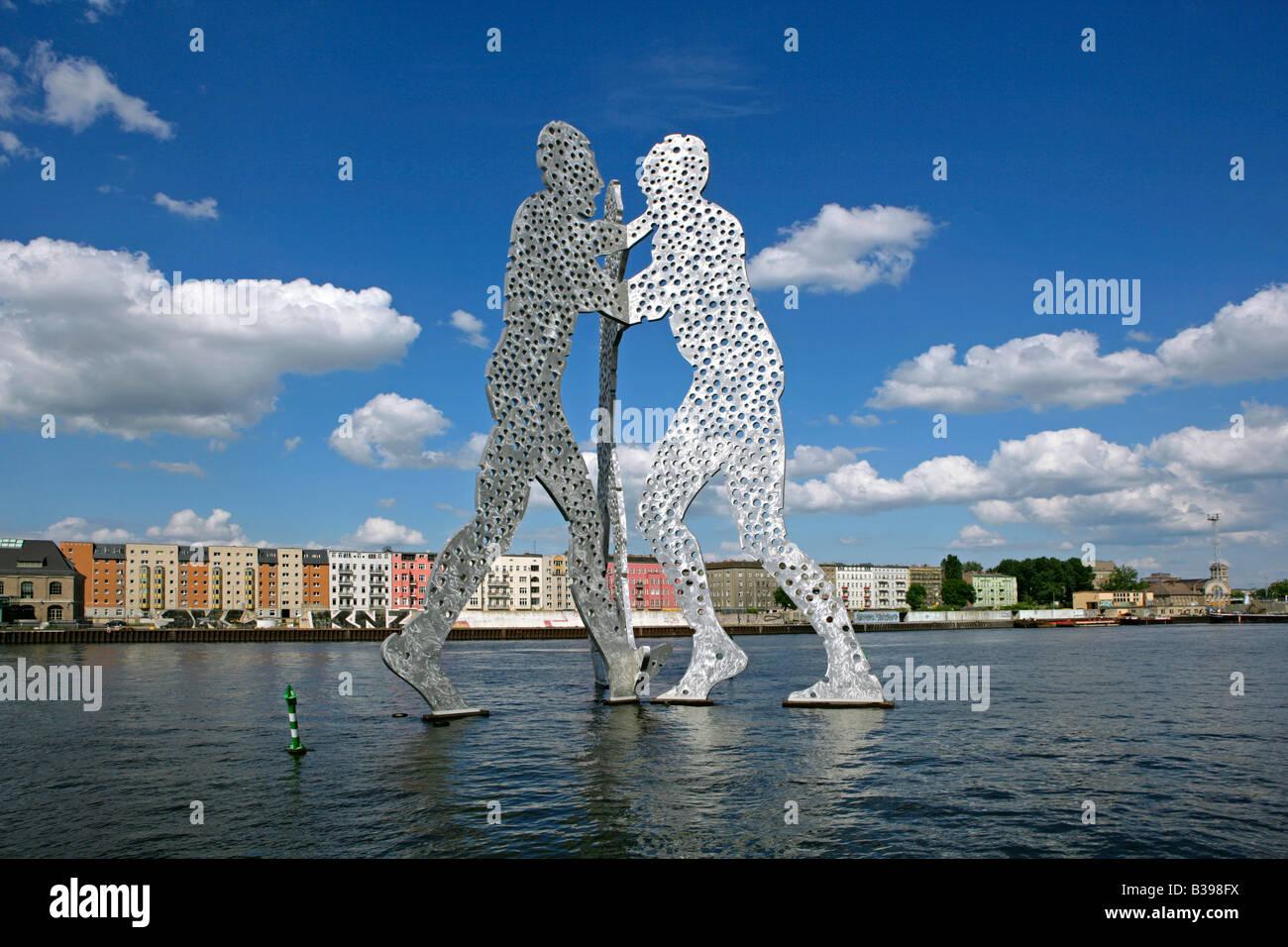 Deutschland, Berlin, Molecule Man, molecule man, sculpture by Borofsky, Berlin, Germany - Stock Image