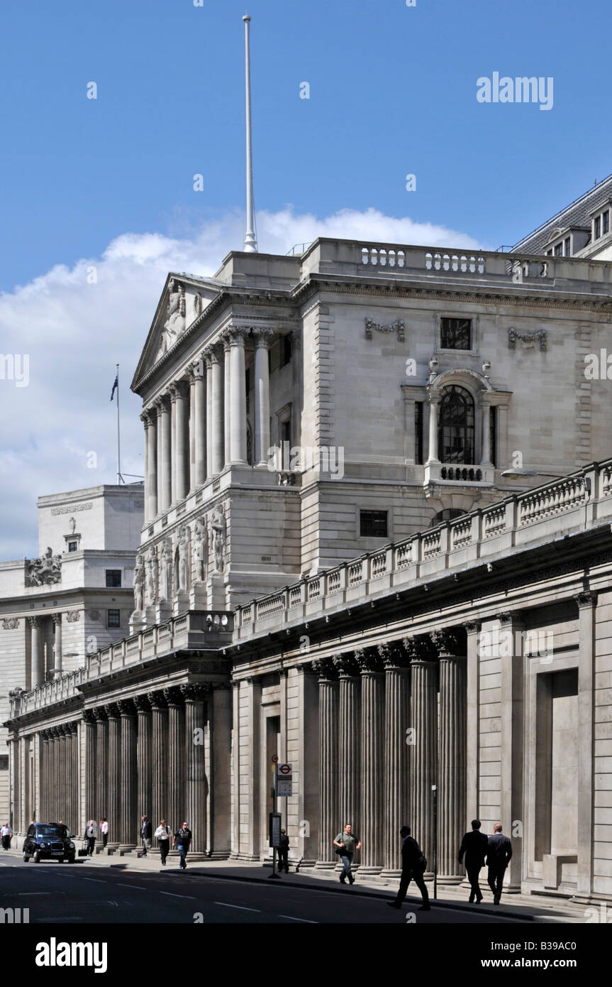 The front of the Bank of England in Threadneedle Street in the City of London England UK - Stock Image