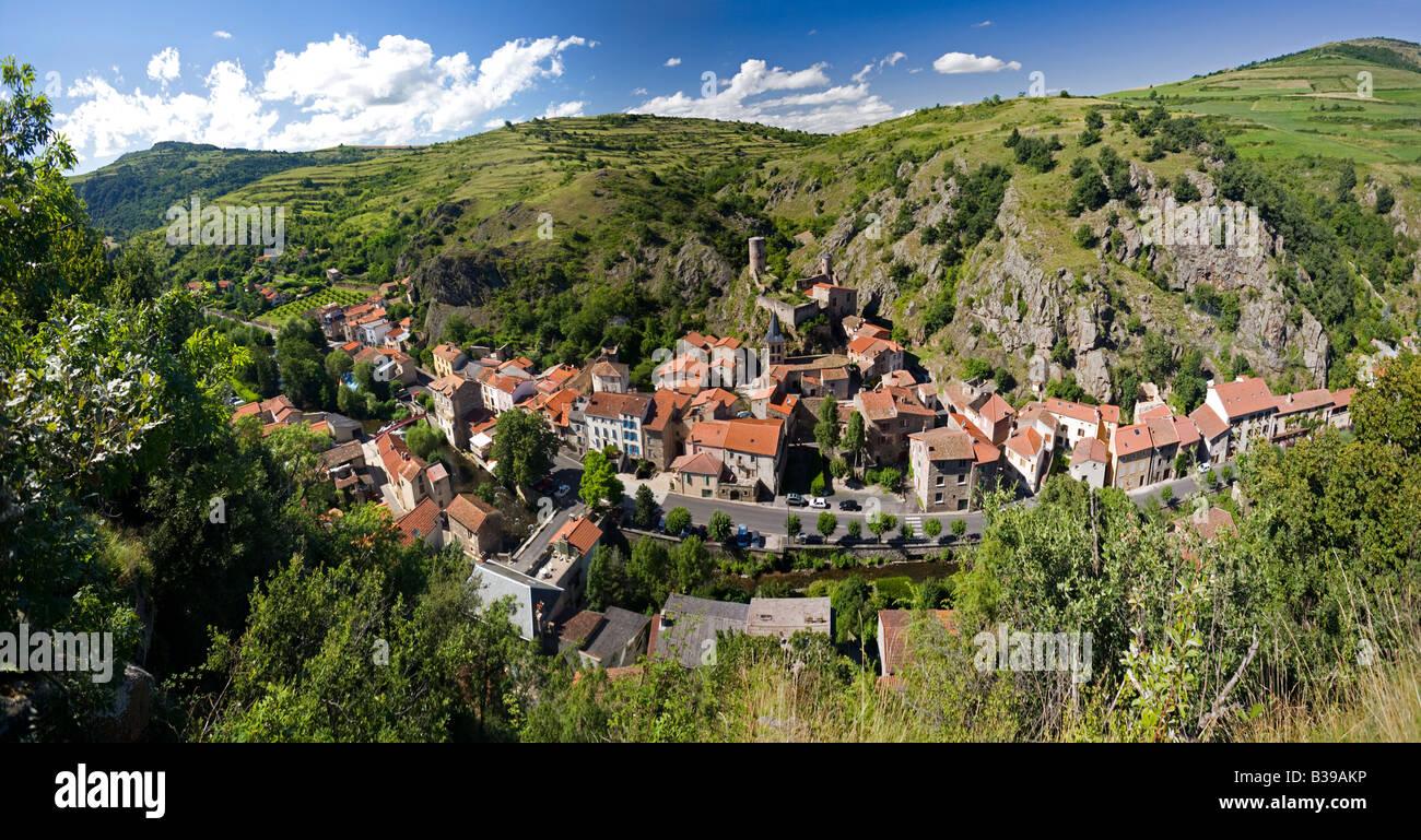 Saint-Floret, a village of the Auvergne (Puy-de-Dôme - France). Village auvergnat de Saint-Floret (Puy-de-Dôme - Stock Image