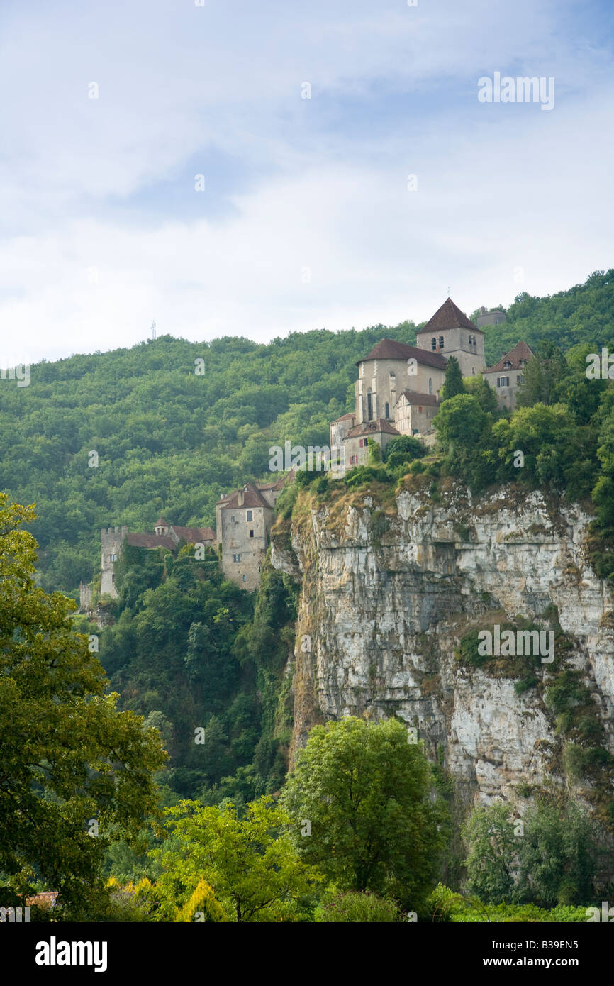 St Cirq Lapopie, the historic clifftop village tourist attraction in the Lot Valley, Lot, France - Stock Image
