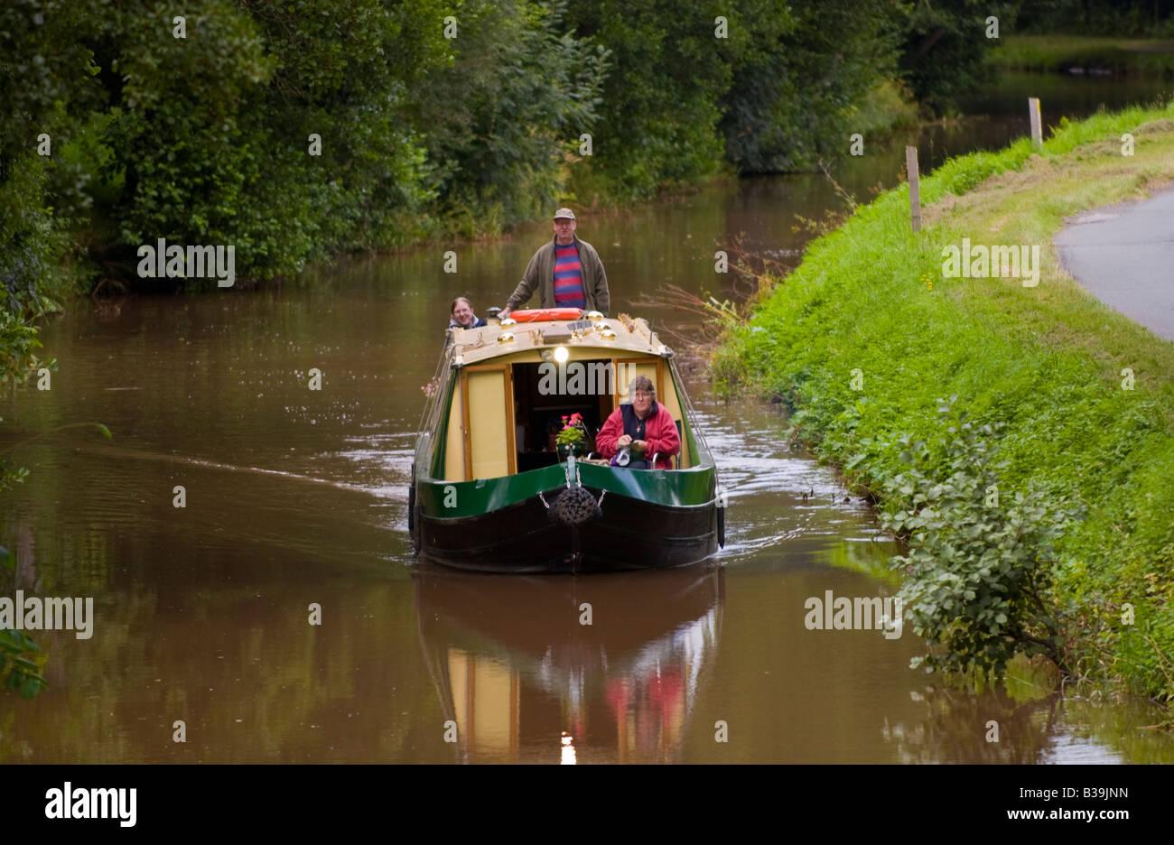 Canal Tours Near London Uk