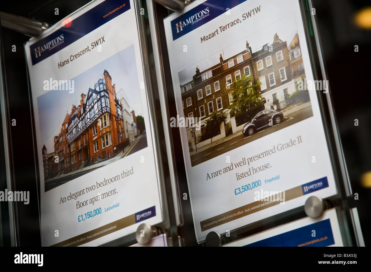 Hamtons estate agents in Kensington and Chelsea exclusive area of London UK - Stock Image