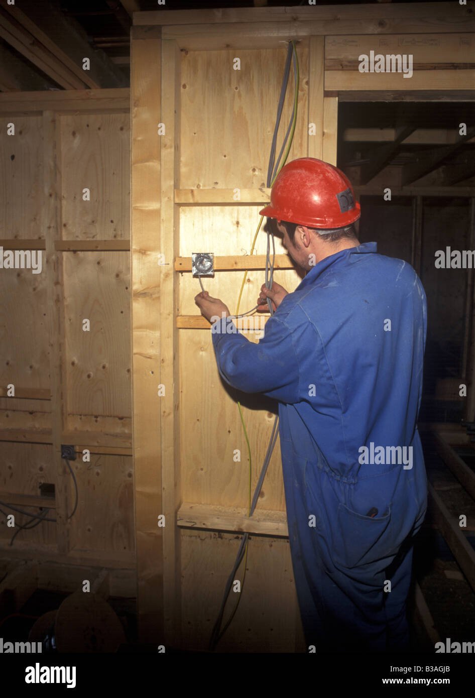 Strange Electrician Wiring A Domestic Light Switch Stock Photo 19286915 Alamy Wiring Digital Resources Ommitdefiancerspsorg
