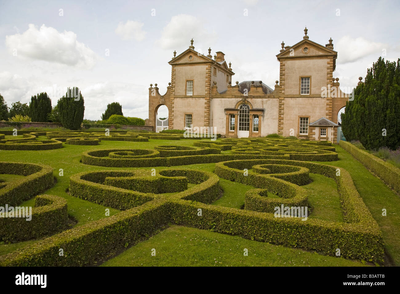 Chatelherault House, Hamilton, Scotland with topiary - Stock Image