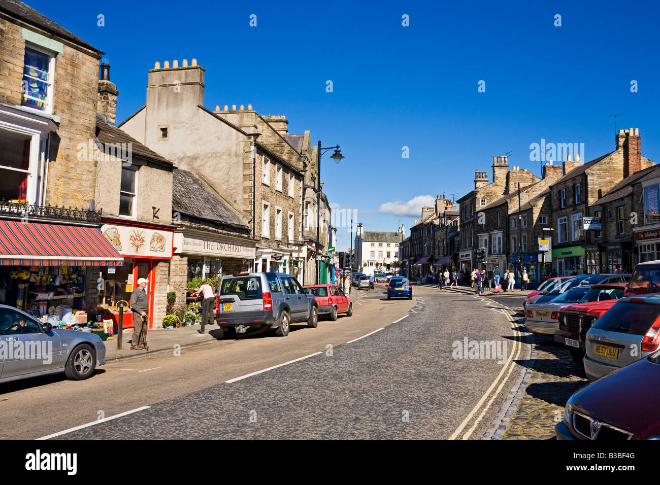 View of the high street, Market Place, Horse Market and Galgate in Barnard Castle, County Durham, England, UK - Stock Image