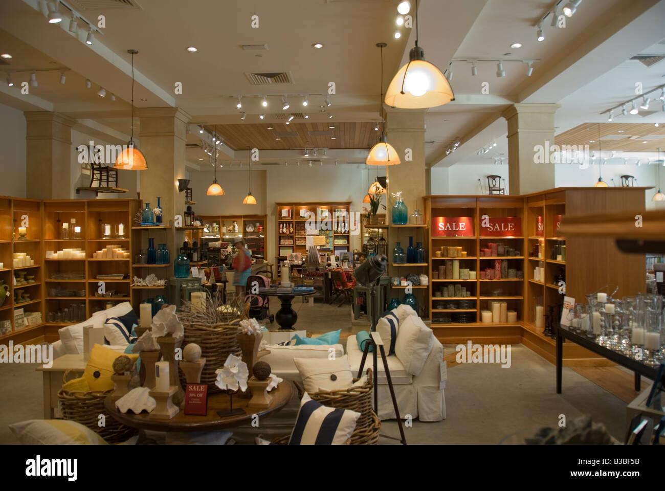 Pottery Barn Store Interior Stock Photos & Pottery Barn ...