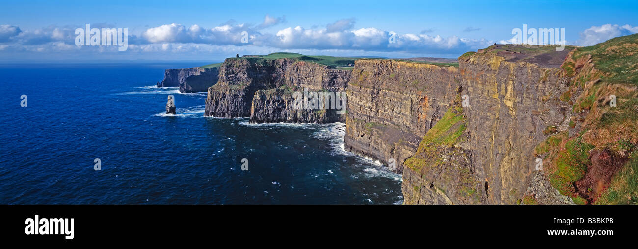 Ireland, Co Clare, Cliffs of Moher, 230m cliffs, O Brains Tower and Breanan Mor Seastack looking from Hags Head - Stock Image