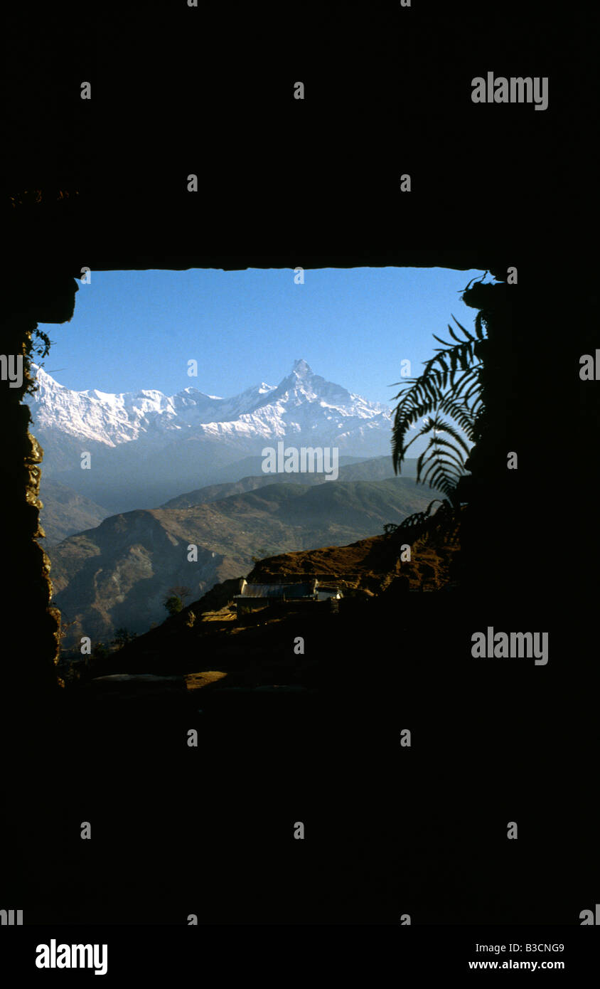 PICTURES CREDIT DOUG BLANE Trekking around the Annapurna circuit in Himalayan Kingdom of Nepal Nepalese Himalayas Stock Photo