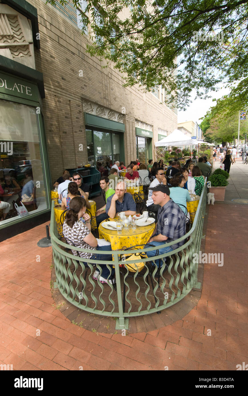 Washington DC USA Alfresco dining at Restaurant Bread Chocolate at the Eastern Market, one of the great markets - Stock Image