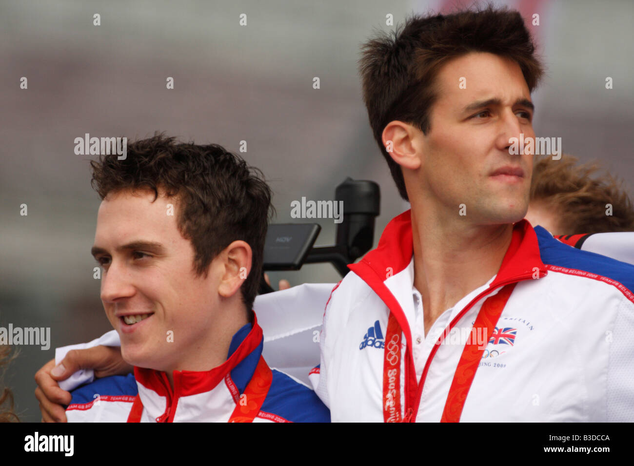 Geraint Thomas and Tom James, who both won gold medals at the 2008 Beijing Olympics, at a ceremony in Cardiff - Stock Image