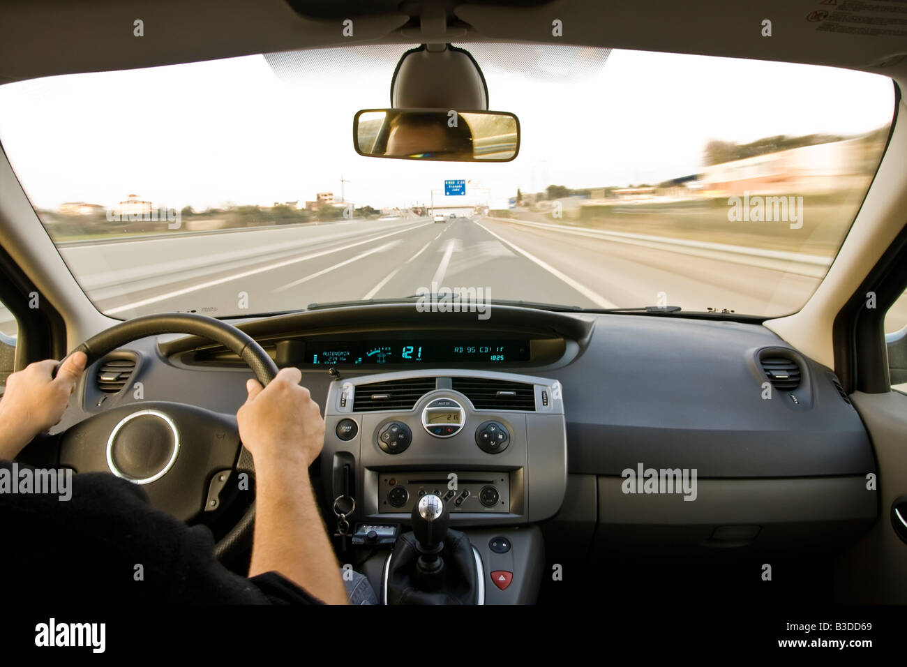 inside car view high speed stock photos inside car view high speed stock images alamy. Black Bedroom Furniture Sets. Home Design Ideas