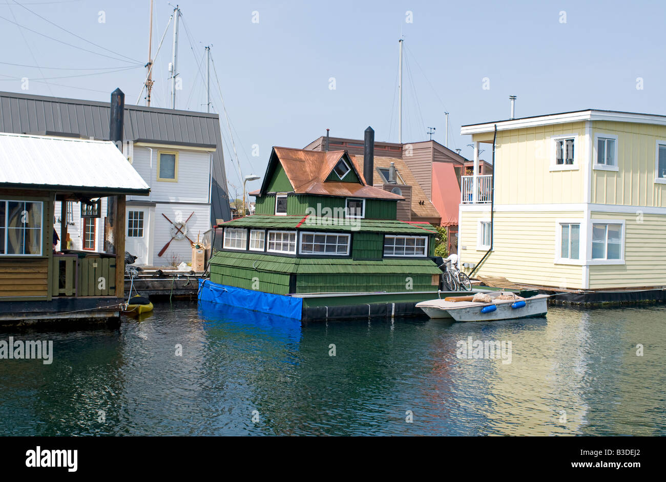 Victoria house boat float homes British Columbia  BCY 0688 - Stock Image