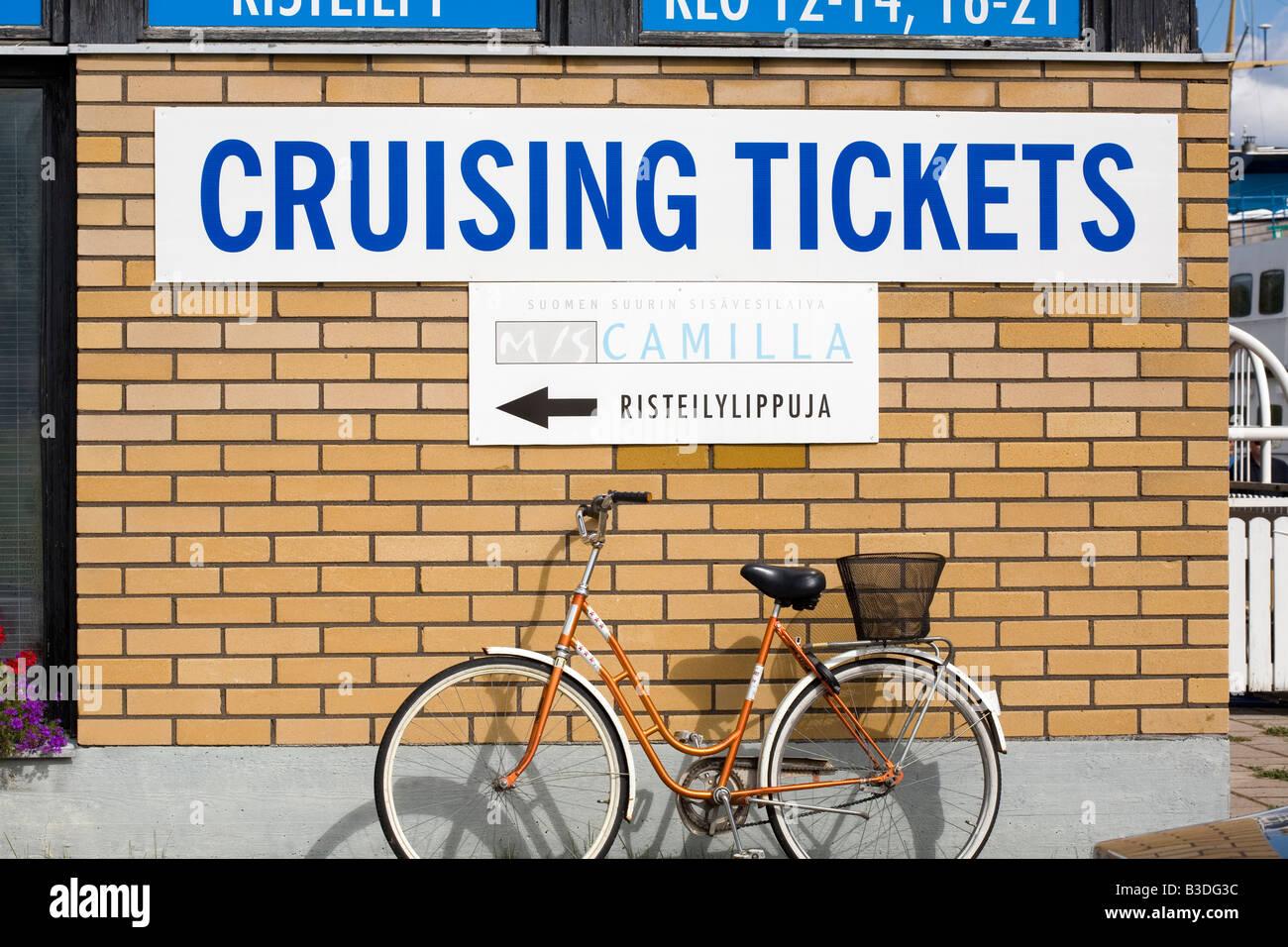 Cruising tickets sign - Stock Image