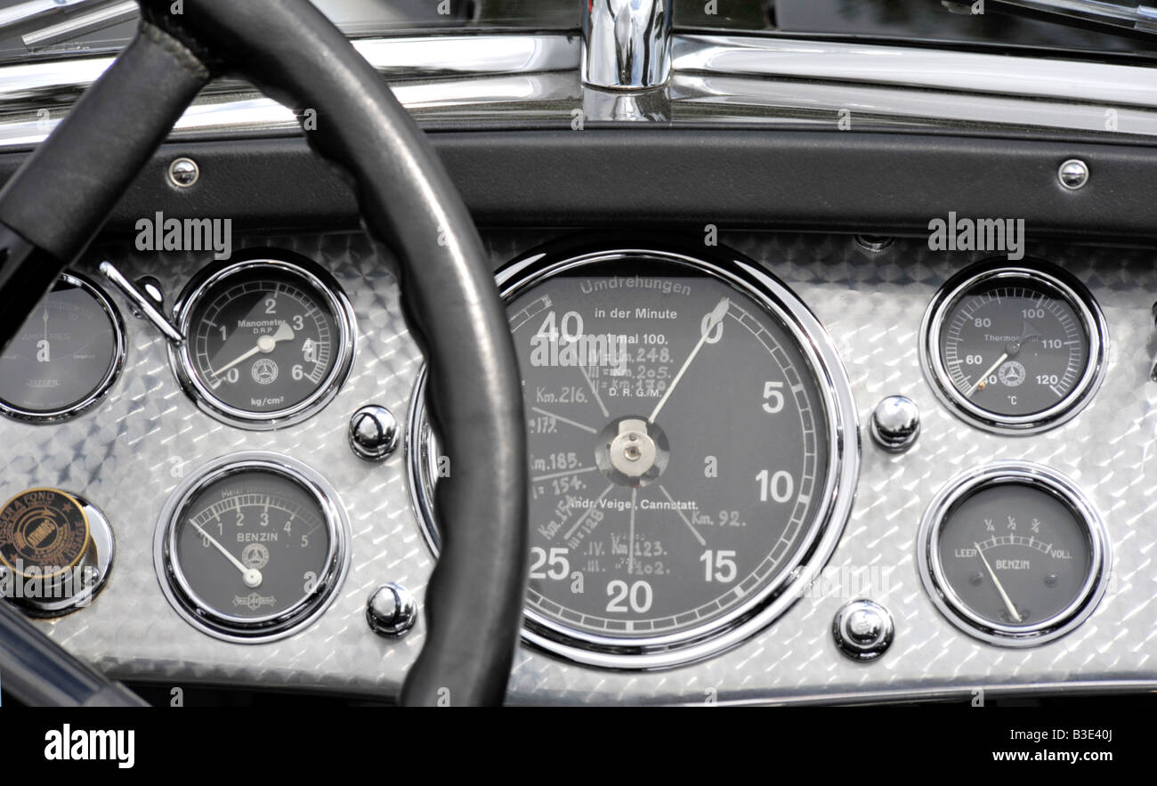 polished machined finished dashboard of 1930 Mercedes Benz 38 250 SS Tourer with complete set of dials - Stock Image