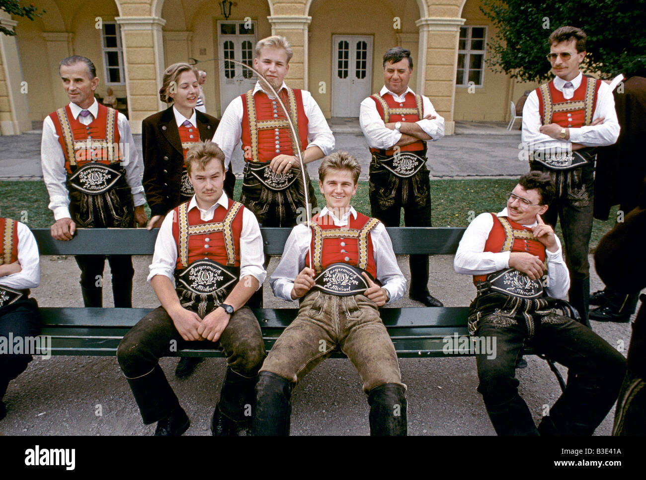 VIENNA 1995 THE BURGER MUSIC GROUP FROM ST MICHAEL WEAR TRADITIONAL AUSTRIAN COSTUME - Stock Image