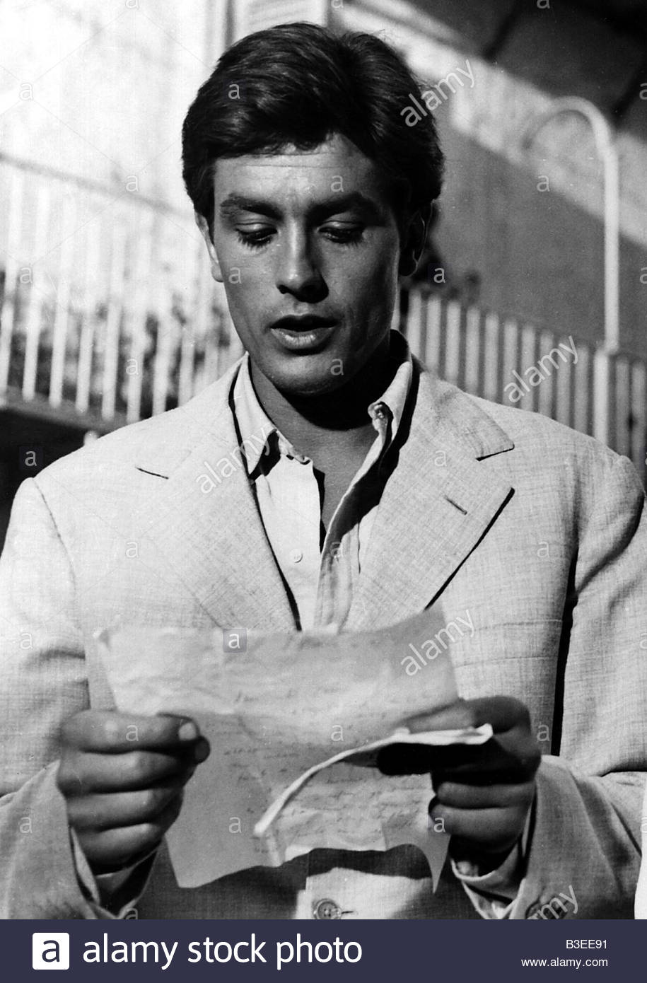Delon, Alain, * 8.11.1935, French actor, half length, movie scene from 'Purple Noon' (Plein Soleil), 1960, - Stock Image
