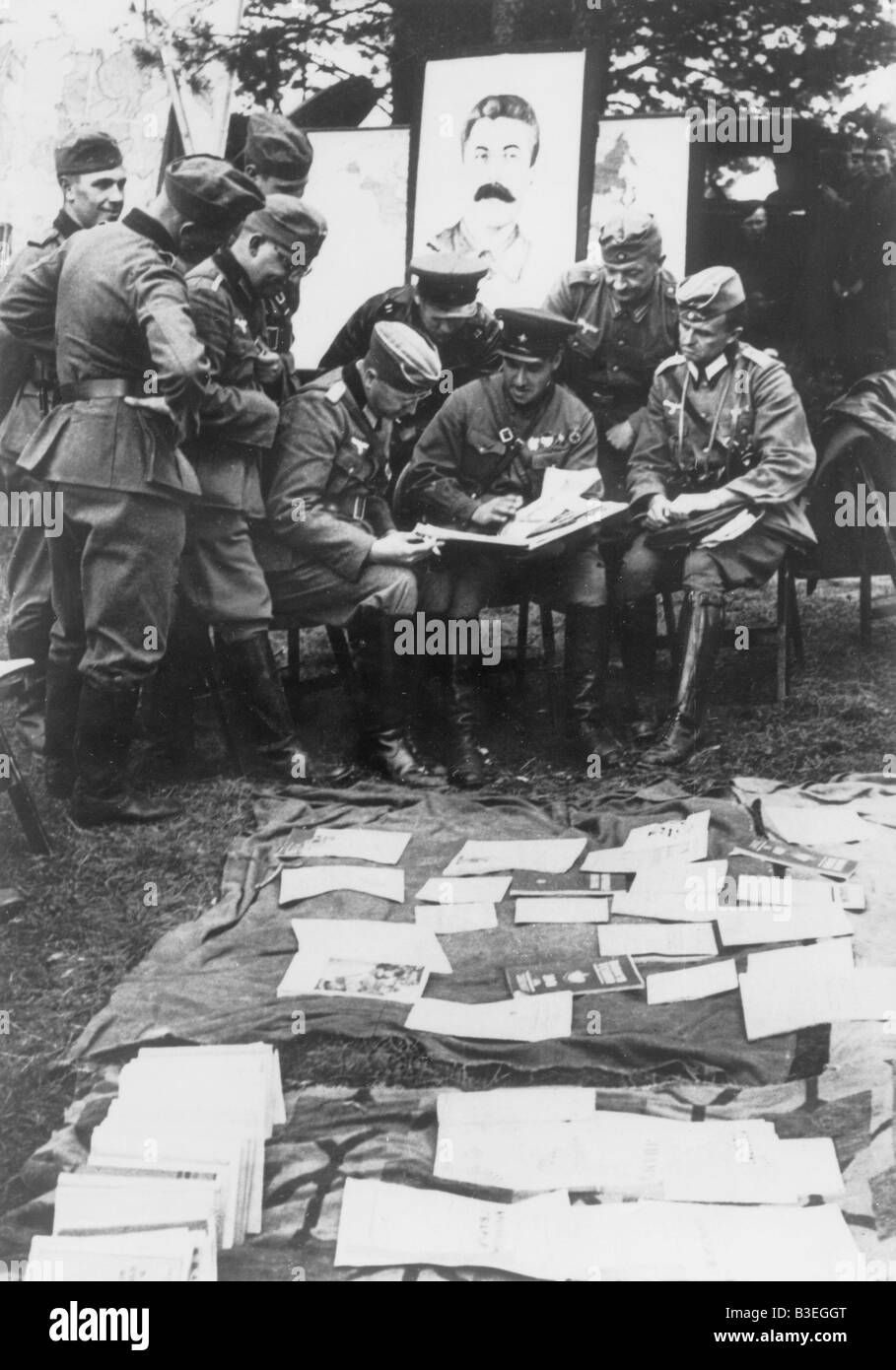 German and Soviet soldiers in Poland. - Stock Image