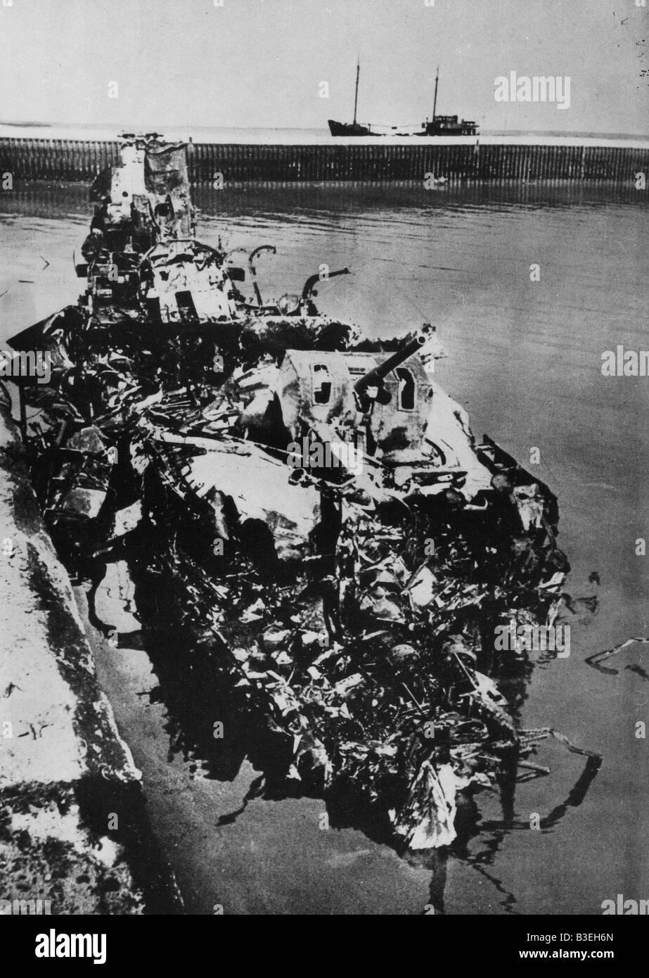 Destroyed destroyer / Dunkirk / 1940 - Stock Image