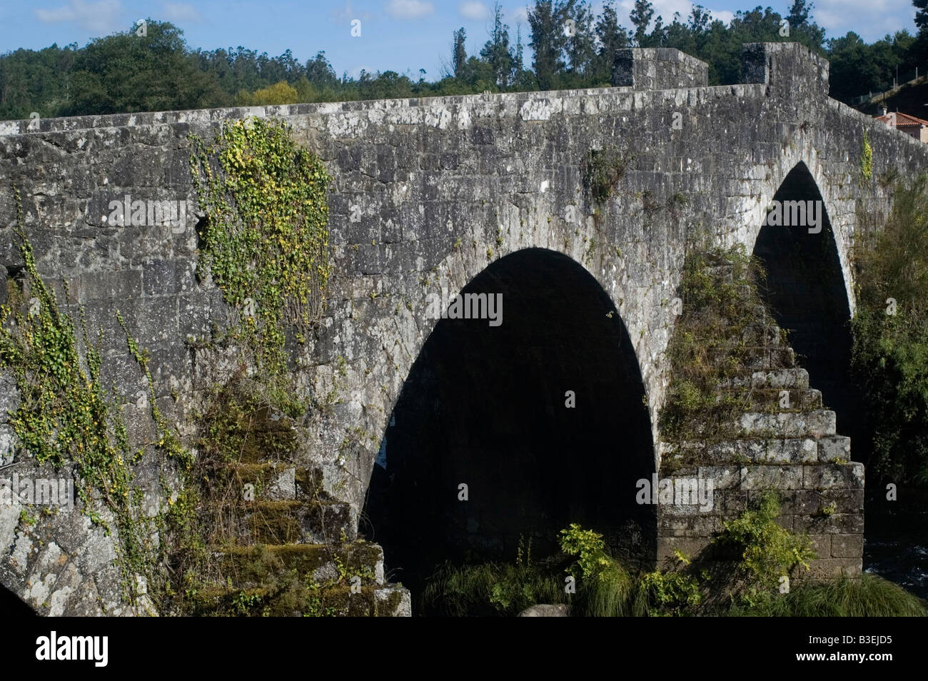 Gothic bridge in Ponte Maceira WAY OF SAINT JAMES or CAMINO DE SANTIAGO - GALICIA region SPAIN - Stock Image